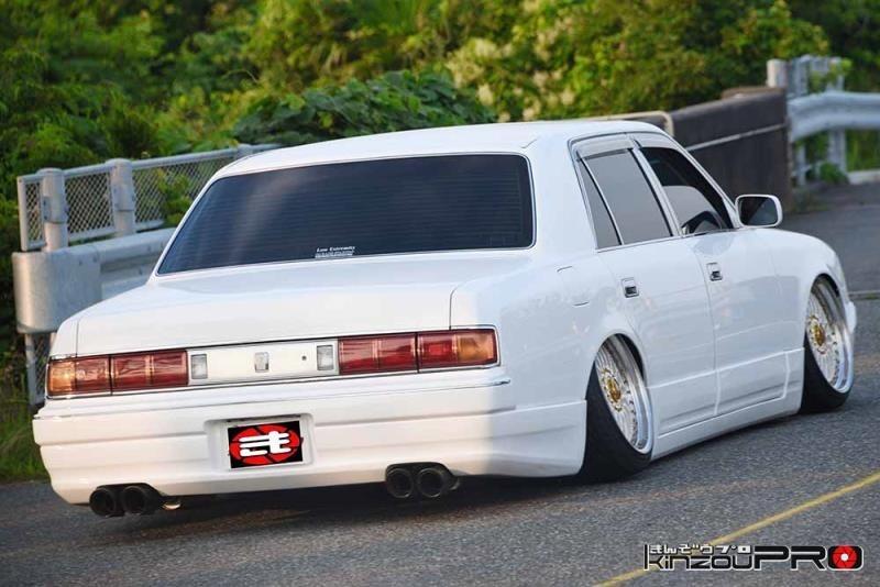 日本車VIPの頂点?白塗りセンチュリーがキマりすぎて恐怖しか感じない!w 3
