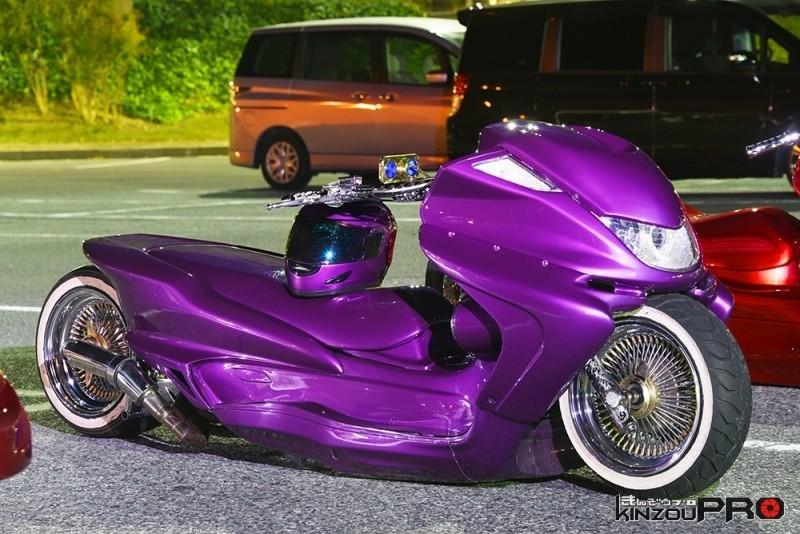 鬼絞りドリルハンドル!ローライダースタイルのビッグスクーター 3