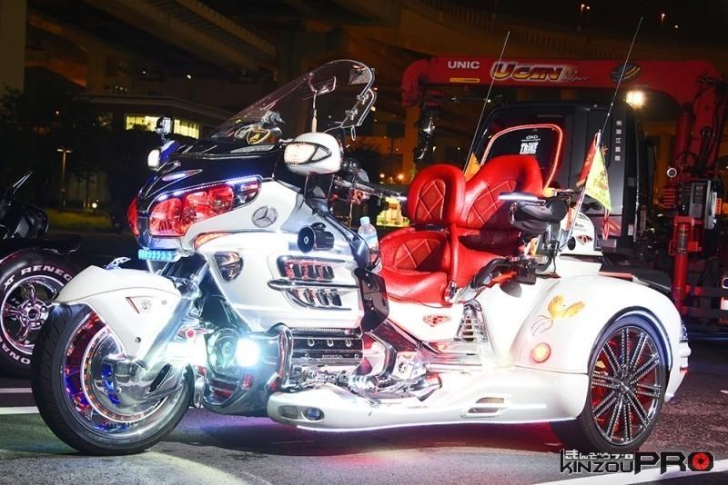 Photo of ゴージャスなトライク ホンダ GL1800ゴールドウィング トライク