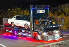 族車仕様デコトラ!三連竹やりマフラーの高木興業のデコトラ角目キャンター旧車ツードアクラウン積み!
