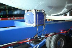 スカニアで飛行機を運ぶ!戦後初の国産旅客機「YS11」の陸送出発シーン 15