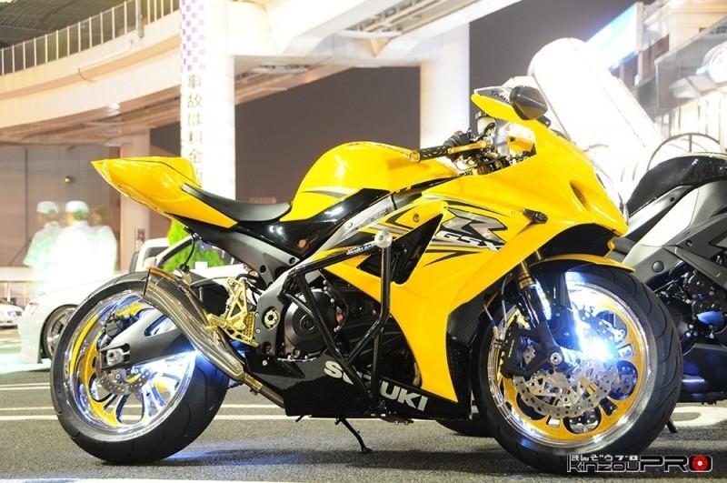 Photo of 攻撃的なカスタマイズがなされた黄色が眩しいスーパースポーツSUZUKI GSX-R