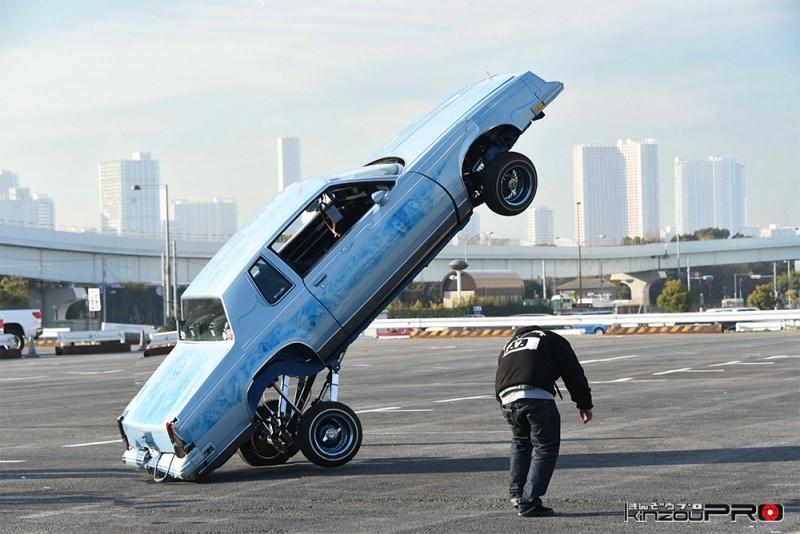 2016年のストリートホッピング日本一が駐車場で決定!気になるへこみを持つローライダー 1