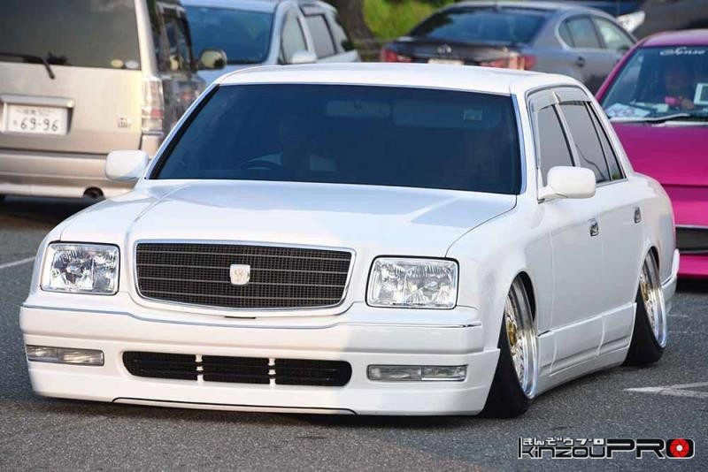 日本車VIPの頂点?白塗りセンチュリーがキマりすぎて恐怖しか感じない!w 2