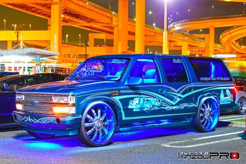 Photo of ヒップホップなセレブ感に溢れるDUBカスタムのシボレー・サバーバン(Solid car clubのU2さん)