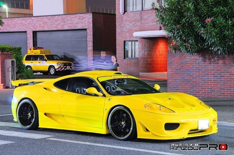 大胆なダクトが印象的なターゲットデザインフルエアロの黄色いフェラーリ360 モデナ! 2