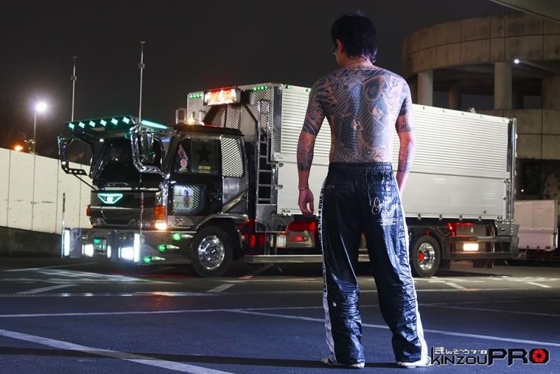 Photo of これぞ日本男子のあこがれ!背中で語る日本男子のストリート写真