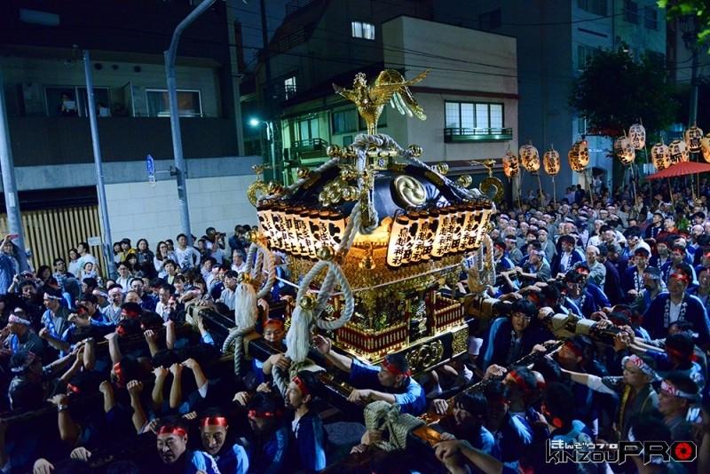 Photo of 鳥越祭のよる祭りを撮る上で気をつけていること