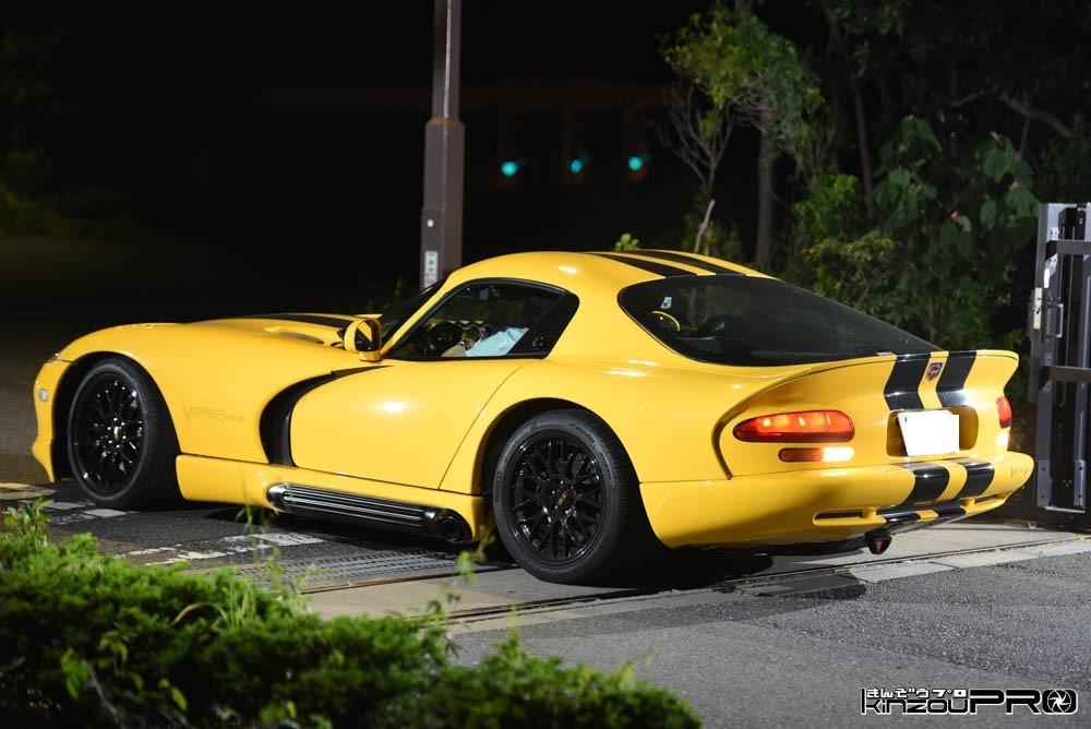 これぞアメ車造形美!うねる毒蛇の様に絶妙な曲線の初代ダッジバイパーPortfolio 2